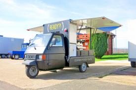 Food-Truck-Piaggio-Ape-Kaffeebar